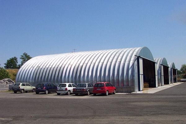 hangar-lat