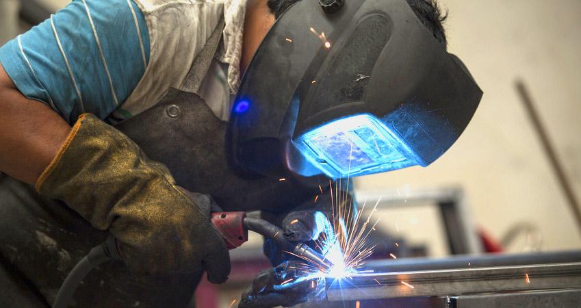 worker-iron